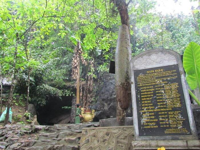 Eight lady cave Phong Nha