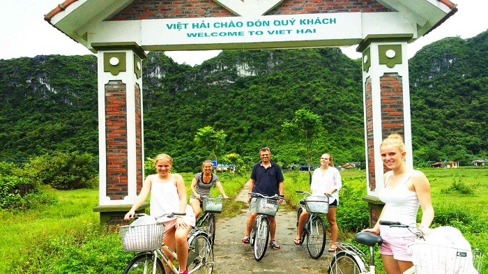 Cycling in Viet Hai