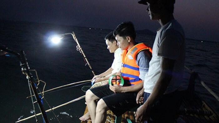 Coto night fishing