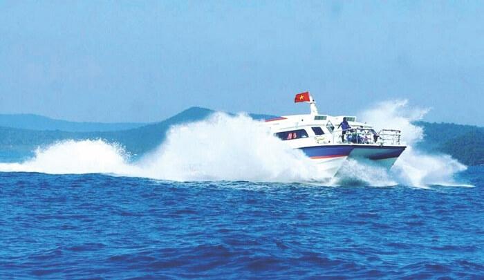 Quan Lan island speed boat