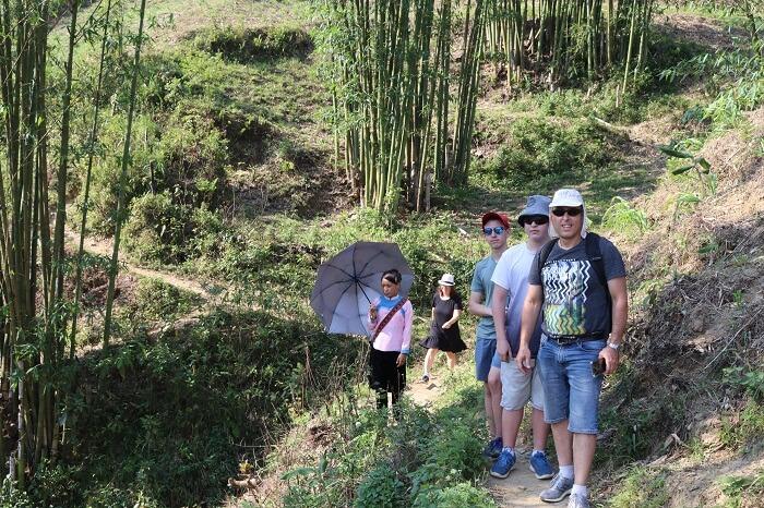 Trekking Y Linh Ho