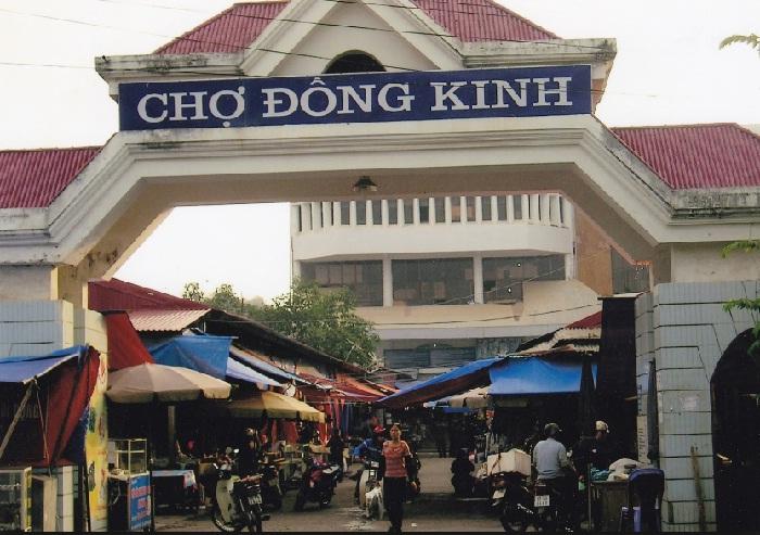 Shopping in Lang Son
